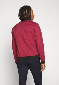 New Look - ENTRY - Chaquetas bomber - dark burgundy - 2
