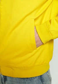 New Look - ENTRY - Bomber bunda - mustard - 4
