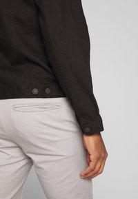 New Look - WESTERN - Denim jacket - black - 5