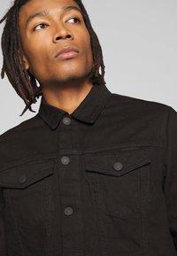 New Look - WESTERN - Denim jacket - black - 3