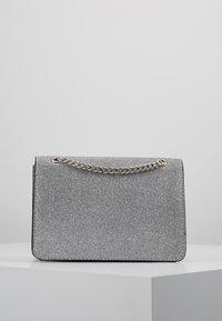New Look - ROCHELLE CHAIN CHOULDER - Schoudertas - silver - 2