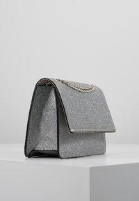 New Look - ROCHELLE CHAIN CHOULDER - Schoudertas - silver - 3