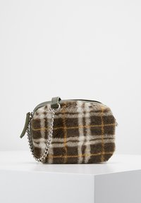 New Look - CHECK CAMERA BAG - Skulderveske - dark khaki - 0