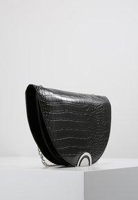 New Look - HAYLEY HALF MOON CLUTCH - Clutch - black - 3