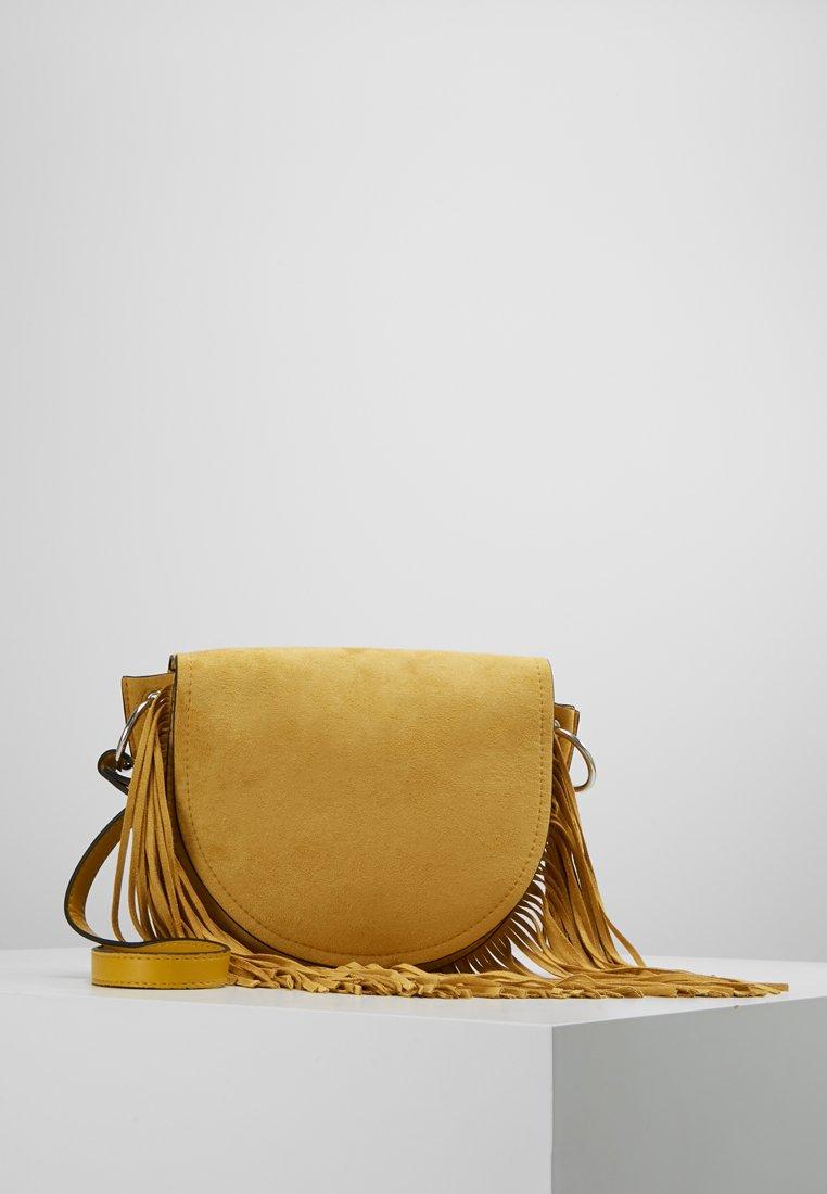 New Look - FRED FRINGE XBODY - Axelremsväska - bright yellow