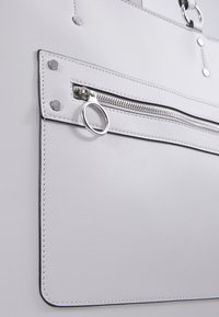 New Look - TORI UNLINED TOTE - Cabas - white - 2