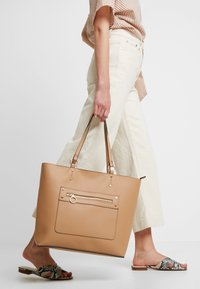 New Look - TORI UNLINED TOTE - Tote bag - camel - 1