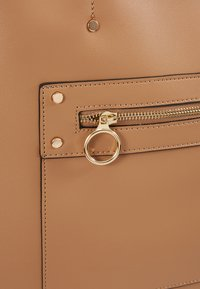 New Look - TORI UNLINED TOTE - Tote bag - camel - 6