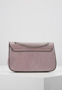 New Look - CROC CHAIN SHOULDER - Handväska - lilac - 2