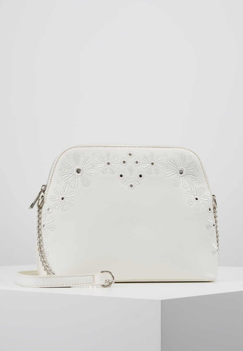 New Look - EMBROIDERY ANGLAISE KETTLE - Umhängetasche - white
