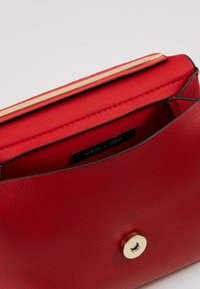 New Look - MARTHA MINI MATILDA UPDATE - Handbag - bright red - 4