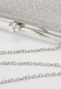 New Look - DIANA - DIAMONTE BOX CLUTCH - Psaníčko - silver - 6