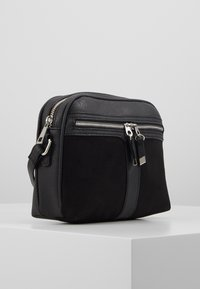 New Look - COLLETTE CAMERA BAG - Skulderveske - black - 4