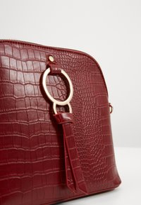 New Look - PIPER KETTLE - Sac bandoulière - bright red - 5