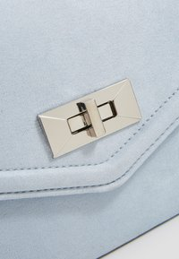 New Look - RIA HANDLE - Sac bandoulière - light blue - 2