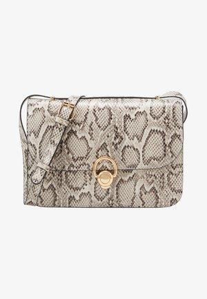 ETTA STURCTURED SHOULDER BAG - Taška spříčným popruhem - brown pattern