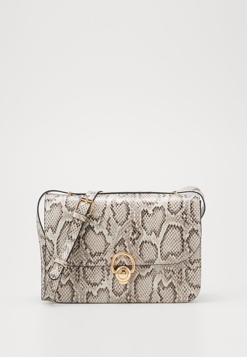 New Look - ETTA STURCTURED SHOULDER BAG - Taška spříčným popruhem - brown pattern