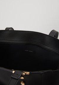 New Look - TABATHATOTE - Velká kabelka - black - 4
