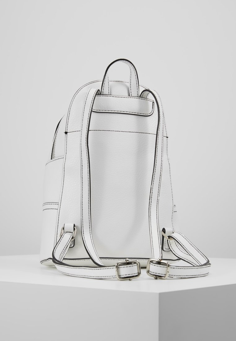 New Look - PEONY ZIP MINI BACKPACK - Rucksack - white