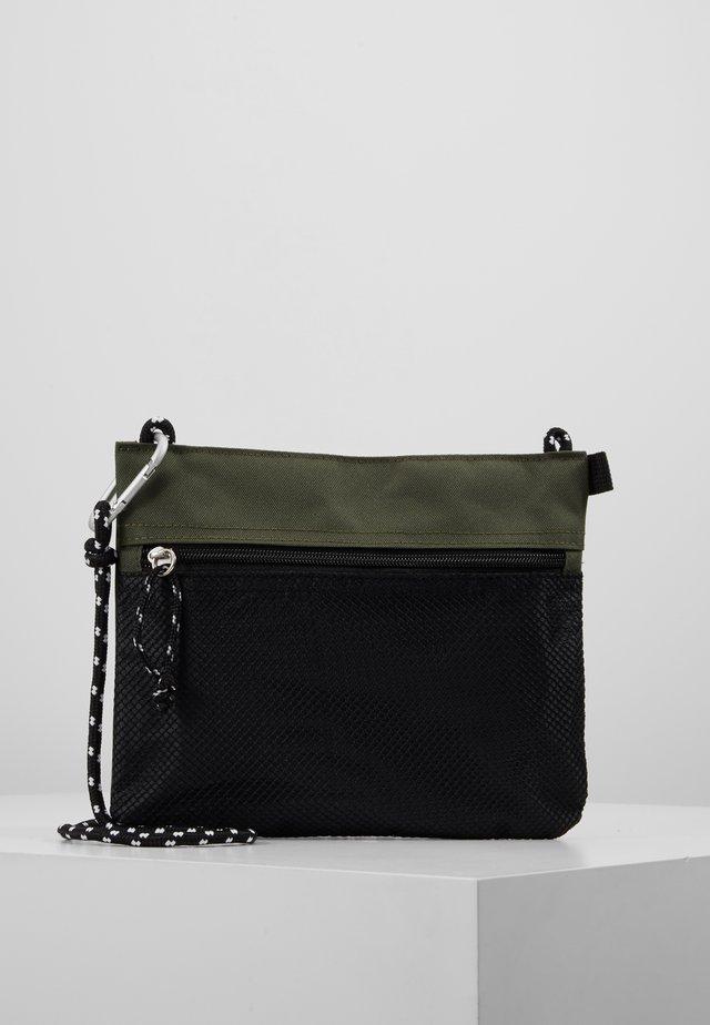 HIKER POUCH BAG  - Borsa a tracolla - dark khaki