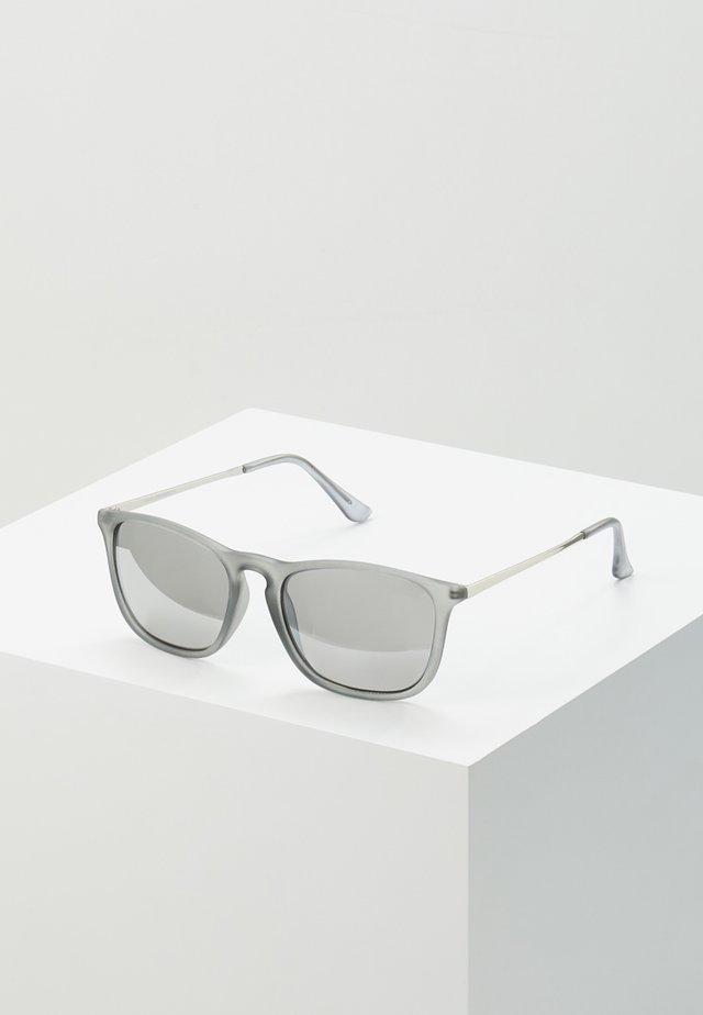 KEYHOLE SUNGLASSES - Sunglasses - silver-coloured