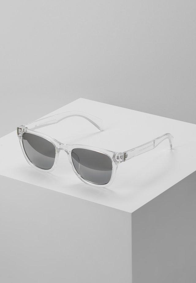 CORE RETRO - Solglasögon - transparent