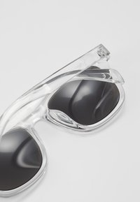 New Look - CORE RETRO - Sonnenbrille - transparent - 2