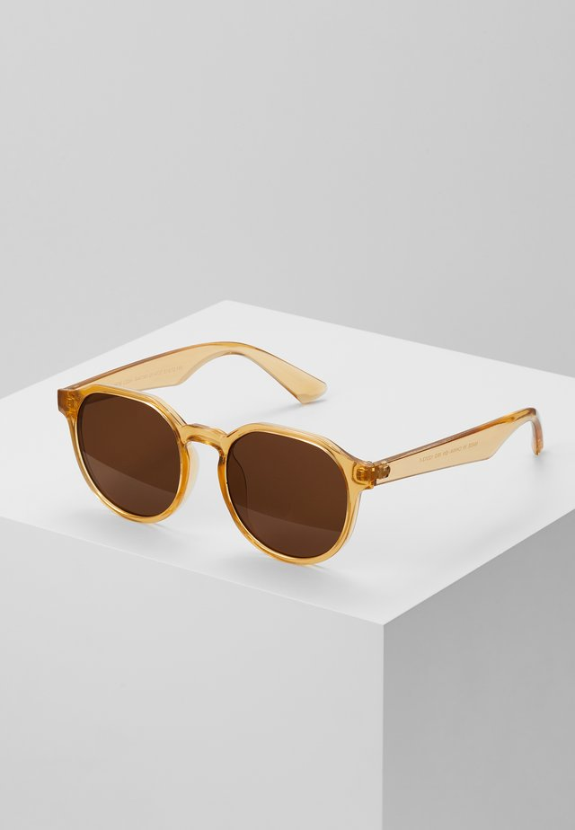 CORE PREPPY ROUND - Aurinkolasit - light brown