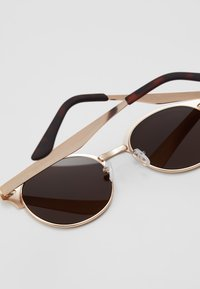 New Look - CLUB - Sunglasses - rose/gold-coloured - 2