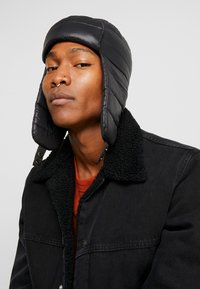 New Look - QUILTED TRAPPER  - Beanie - black - 1