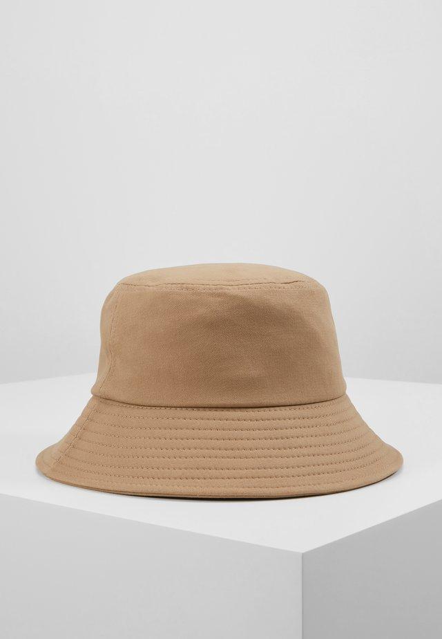 BUCKET HAT - Hattu - stone