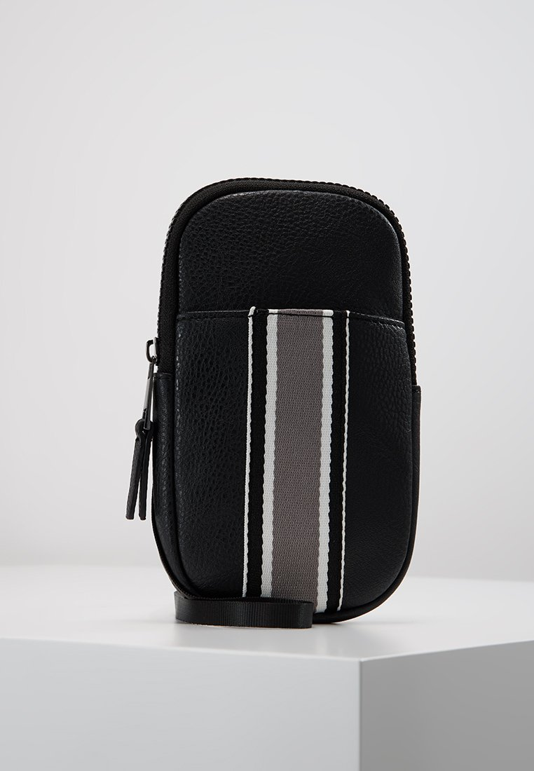 New Look - WEBBING ULTRA MINI FLIGHT BAG - Skuldertasker - black