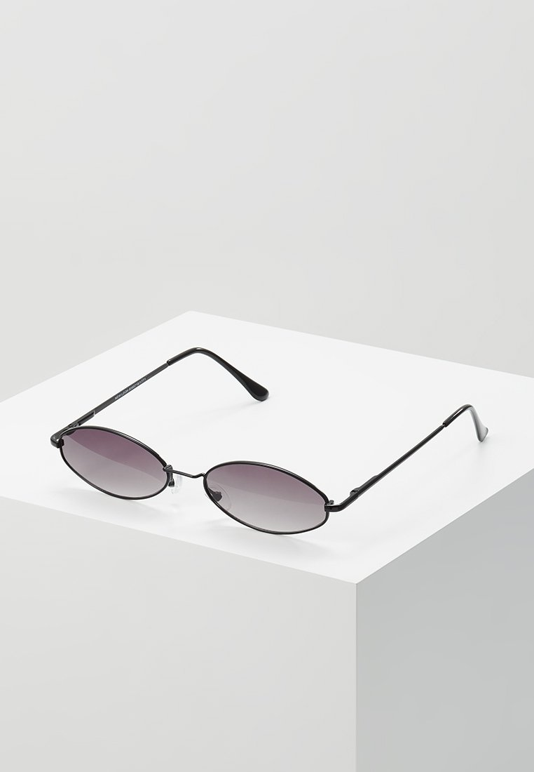 New Look - SMALL OVAL  - Lunettes de soleil - black
