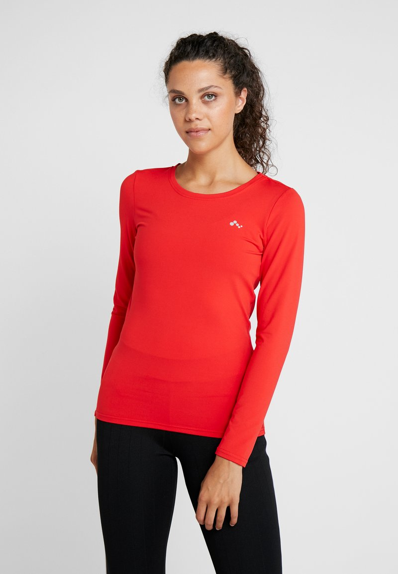 ONLY Play - ONPCLARISSA TRAINING TEE OPUS - Funktionsshirt - flame scarlet