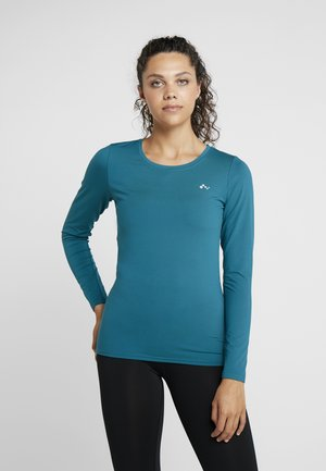 ONPCLARISSA TRAINING TEE OPUS - Funktionsshirt - shaded spruce