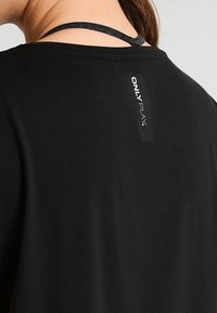 ONLY Play - ONPAUBREE  LOOSE TRAINING TEE - Print T-shirt - black - 3