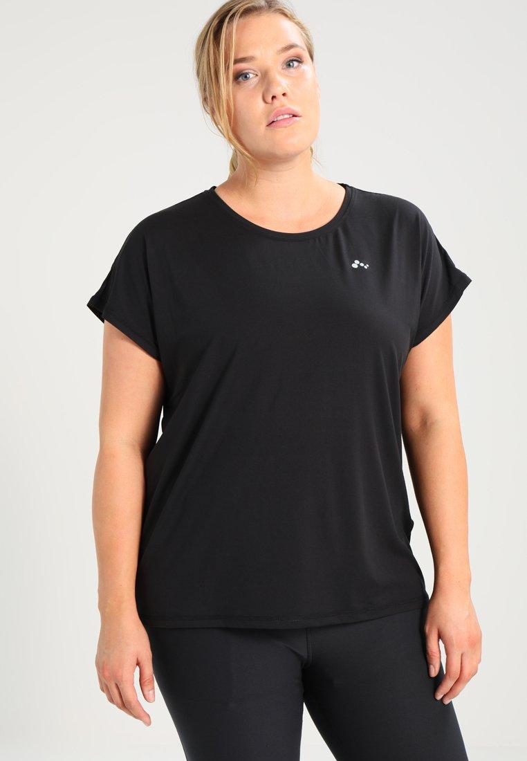 ONLY Play - ONPAUBREE LOOSE TRAINING TEE CURVY - T-shirts basic - black