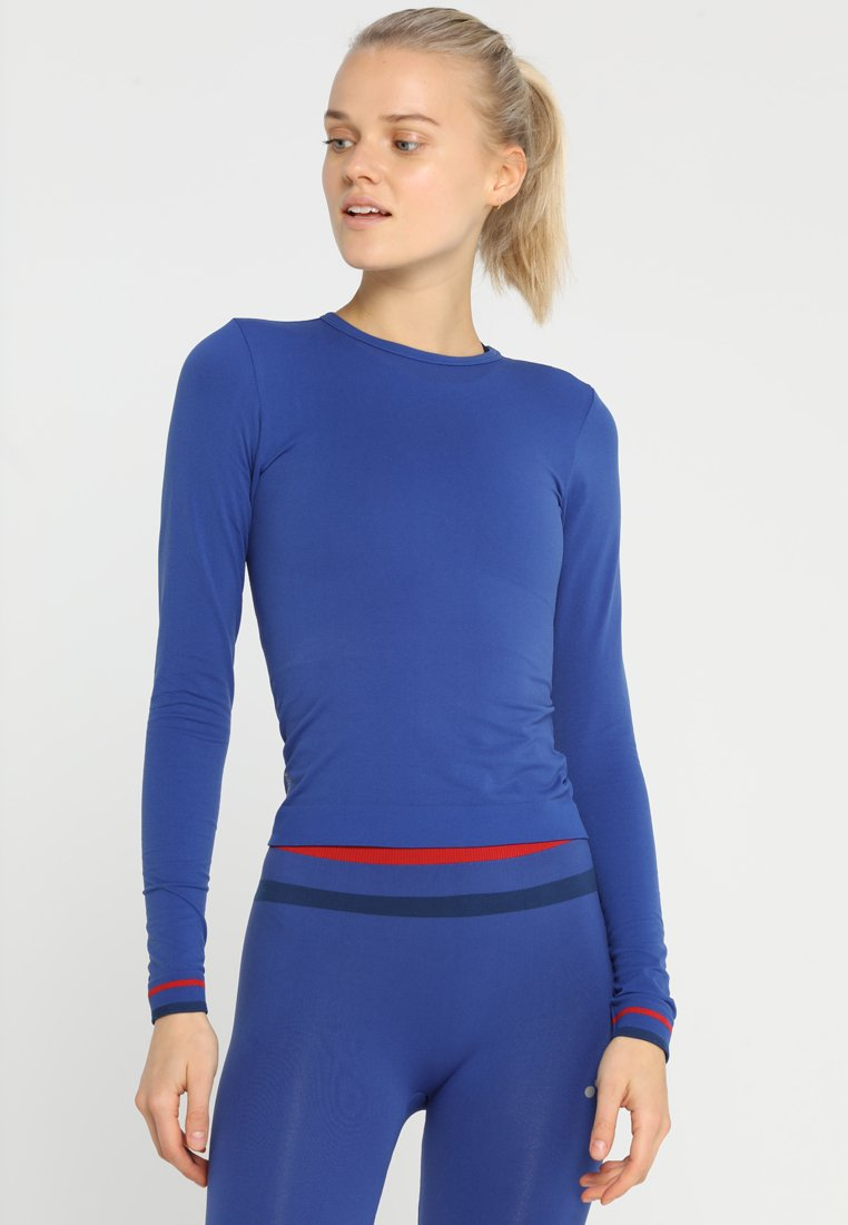 ONLY Play - ONPCHERRY CIRCULAR TRAINING  - Sportshirt - sodalite blue