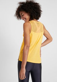 ONLY Play - ONPCELESTIAL TANK - Topper - amber yellow - 2