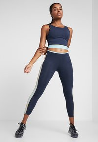 ONLY Play - ONPSPRING CROPPED SOLID  - Top - blue nights/canal blue/amber - 1