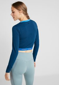 ONLY Play - ONPTANGERINE CROPPED  - Long sleeved top - gibraltar sea/french blue/celo - 2