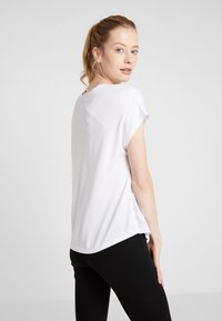 ONLY Play - ONPJONI LOOSE BURNOUT TEE - Print T-shirt - white - 2