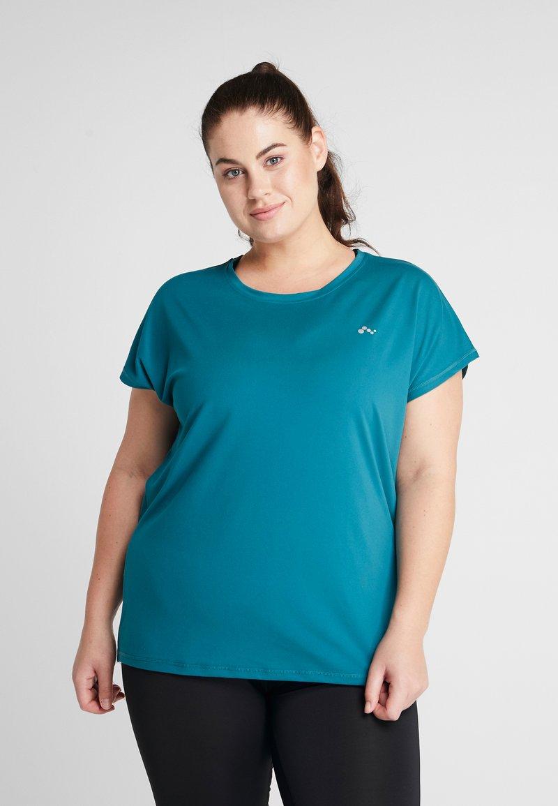 ONLY Play - ONPAUBREE TEE CURVY - Camiseta básica - shaded spruce