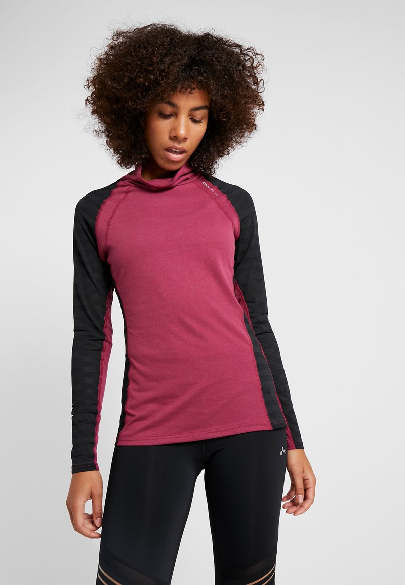 ONLY Play - ONPAMELIA TRAINING TEE - Long sleeved top - beet red/melange black