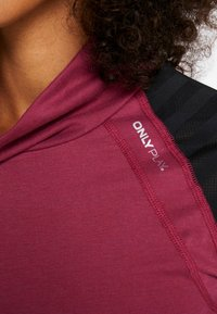 ONLY Play - ONPAMELIA TRAINING TEE - T-shirt à manches longues - beet red/melange black - 5