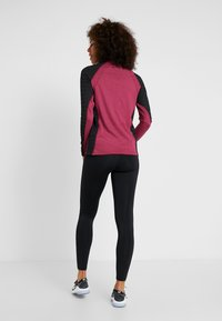 ONLY Play - ONPAMELIA TRAINING TEE - T-shirt à manches longues - beet red/melange black - 2