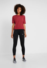 ONLY Play - ONPTERRA OVERSIZED SHORT TEE - T-shirts med print - beet red - 1