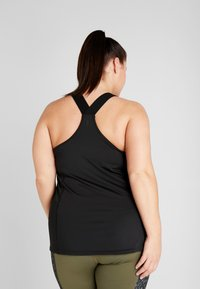 ONLY Play - ONPGOLDIE TRAINING CURVY - Top - black - 2