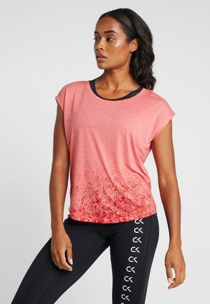 ONPPYTHON CURVED BURNOUT TEE - T-shirts med print - flame scarlet melange