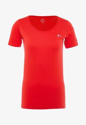 ONPORA CIRCULAR - T-shirt z nadrukiem - flame scarlet